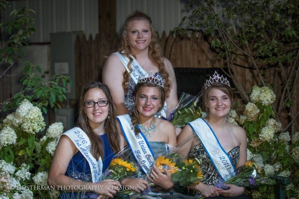 2016 Fair Queen and her court